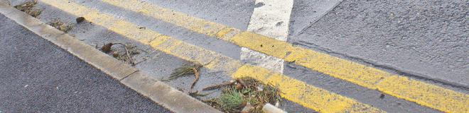 Image, double yellow line